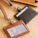 革小物生活に日本製IDケース名入れ可能でギフトにおすすめ